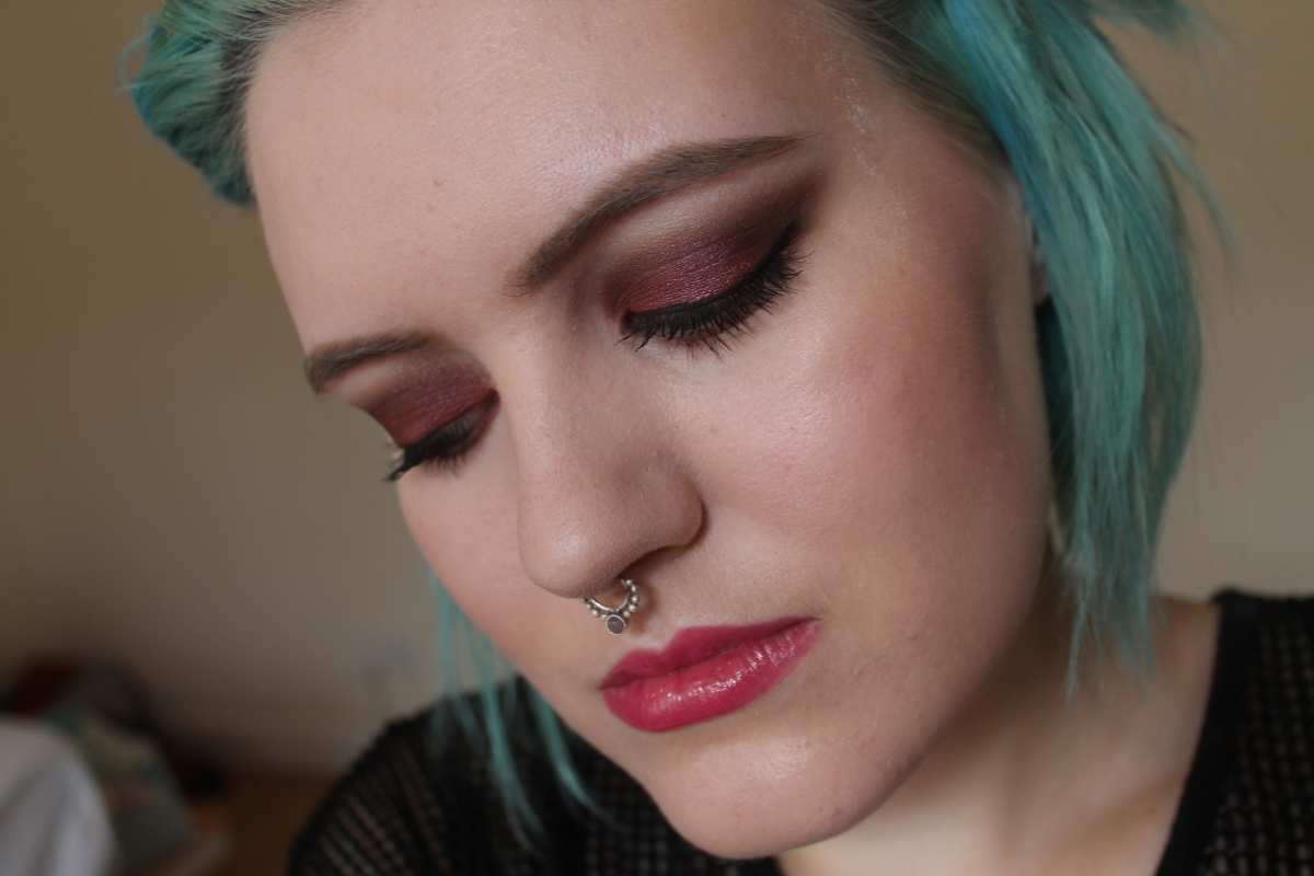 Plum eye look with Kiko water eyeshadows